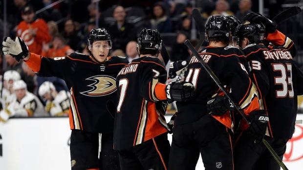 Anaheim-ducks-celebrate-goal