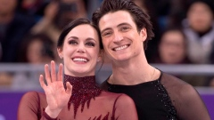 On-ice chemistry between Virtue and Moir inspires romantic fan fiction Article Image 0