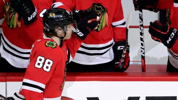 33402e51f23 Kane's late PP goal lifts Blackhawks past Bruins - TSN.ca