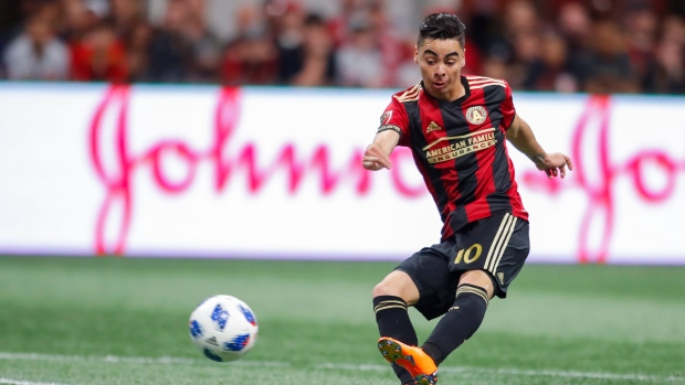 Miguel Almiron arrives for Newcastle medical ahead of record deal