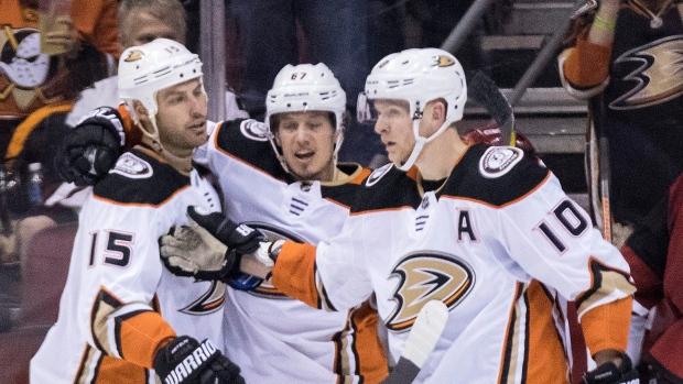 Anaheim-ducks-celebrate