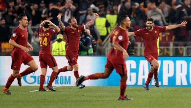 Roma-celebrates-goal