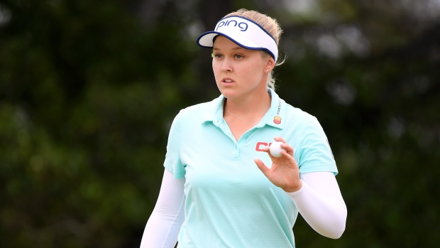 Henderson remains in the lead in Hawaii