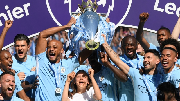 Manchester City celebrates EPL title