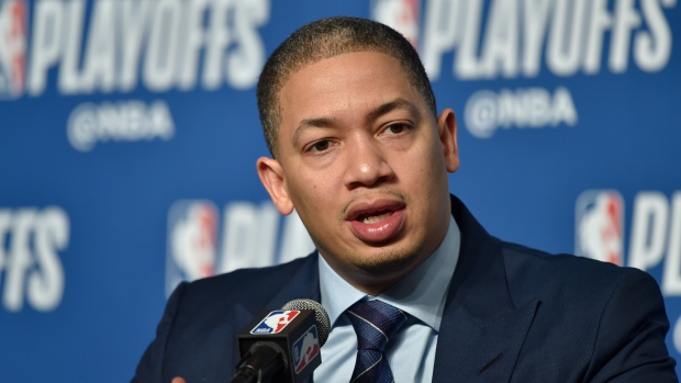 Lue near deal to join Clippers' staff