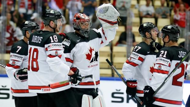 Darcy-kuemper-team-canada-celebrate