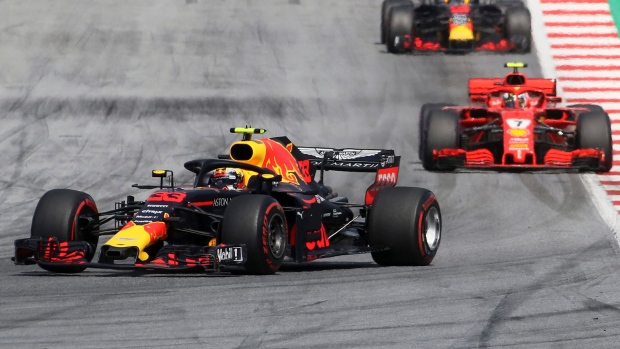 Vettel hits the front, Verstappen hits the wall