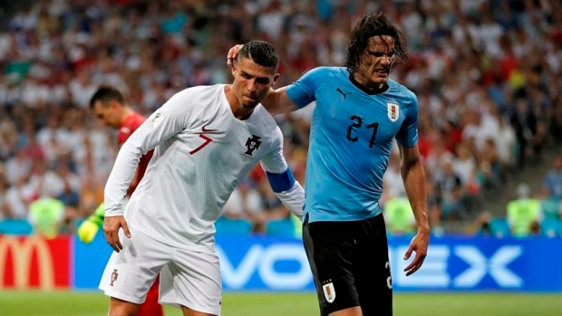 Uruguay forward Edinson Cavani has left calf injury