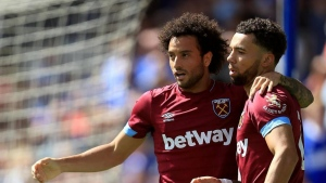 Anderson re-joins Lazio from West Ham