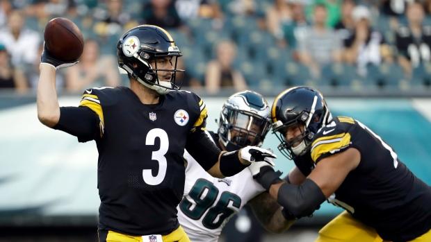 Steelers release backup QB Landry Jones