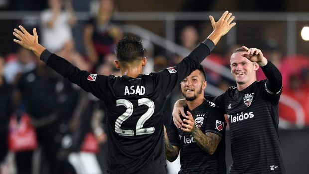 Rooney scores twice, DC United beats Timbers