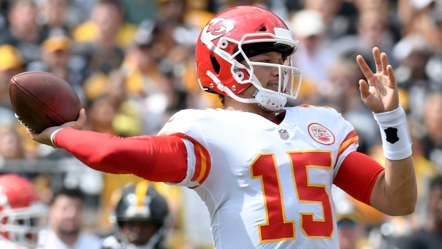 Patrick Mahomes throws six TDs vs. Steelers, sets record