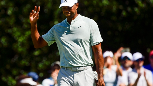 Tiger Woods leads Tour Championship by 3 after third-round 65