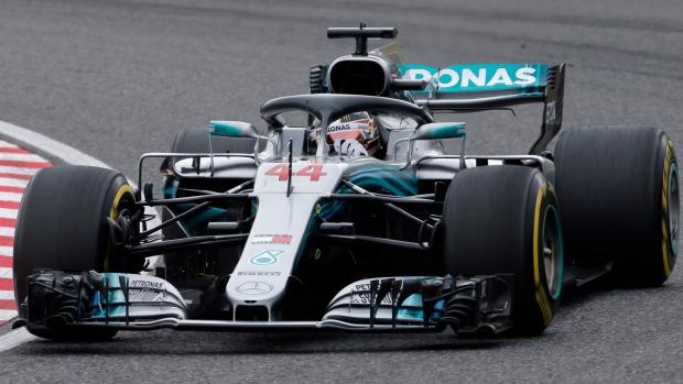 Hamilton claims pole for Japanese GP