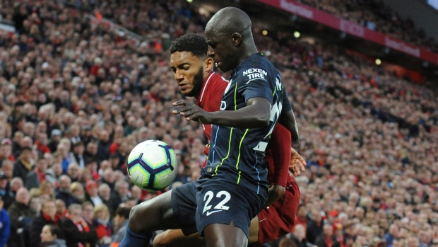 Manchester City forced to share spoils after costly Mahrez missed penalty