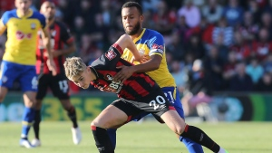 Bertrand joins Leicester on free transfer