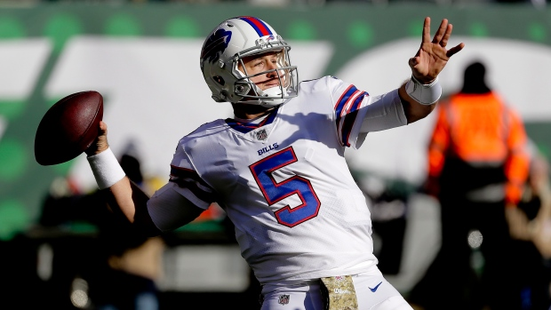 Not The Onion: Bills sign Matt Barkley to two-year contract extension