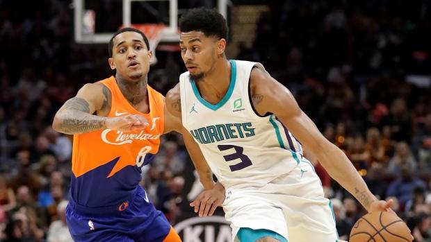 Charlotte Hornets Jeremy Lamb (3) drives against Cleveland Cavaliers  Jordan Clarkson (