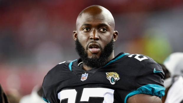 Jaguars RB Fournette charged for traffic violation