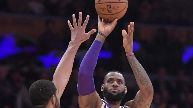 12fd94d99 LeBron scores 42 as Lakers beat Spurs - TSN.ca