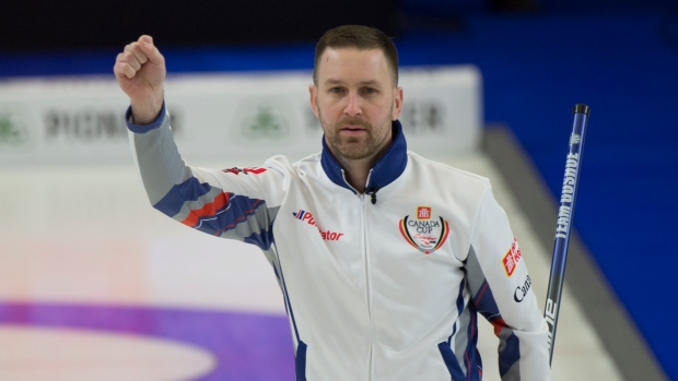 40655a303ca Gushue snaps Koe s win streak and punches ticket to semis - TSN.ca
