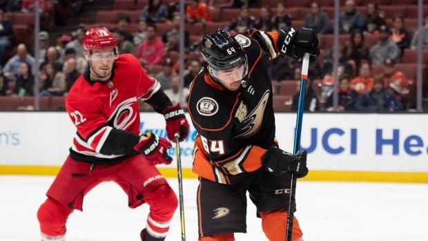 Hurricanes Snap Ducks' Five-game Win Streak