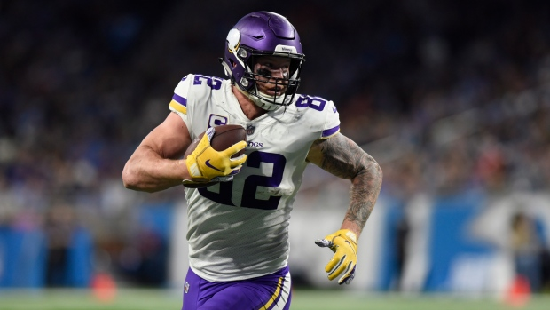 Kyle Rudolph-To-Patriots Hopes Dead After Tight End Gets Vikings Extension class=
