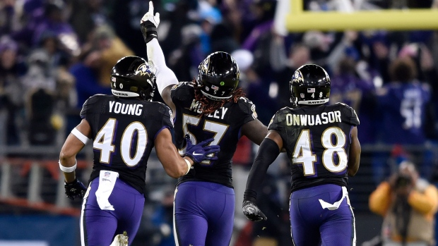 d88f1a871f7 Ravens survive Browns to earn AFC North title - TSN.ca