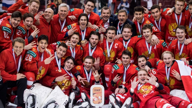 Russia celebrates bronze medal at World Juniors