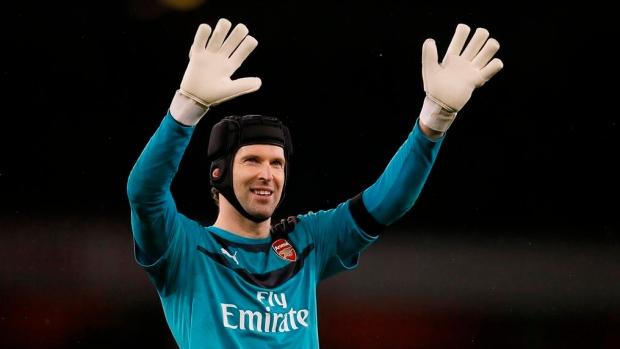 Chelsea Registers Retired Petr Cech As Emergency Keeper Tsn Ca