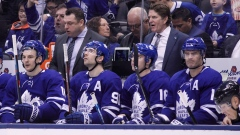 Mike Babcock and the Maple Leafs bench