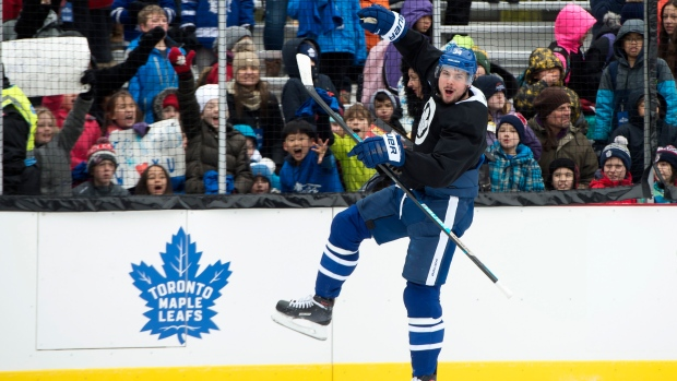 2e821408 Maple Leafs ride the TTC to put on a show at city hall outdoor practice -  TSN.ca