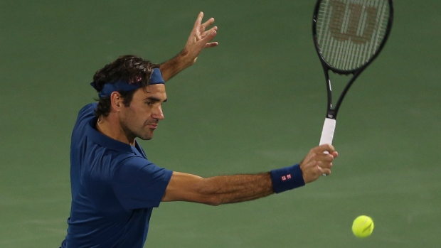 Roger Federer defeats Stefanos Tsitsipas to claim 100th singles title