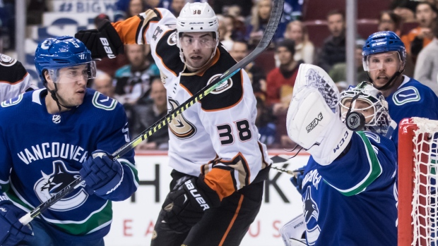 Markstrom posts SO as Canucks blank Ducks - TSN.ca 67fd46d85