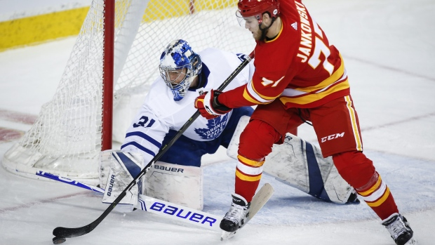 Leafs sign G Sparks to one-year extension