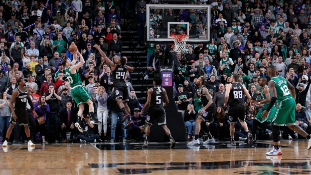 Celtics' Gordon Hayward beats Kings with last-second shot