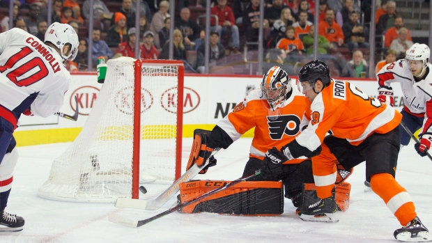622ab72ea48 Connolly s 3 points leads Caps past Flyers - TSN.ca