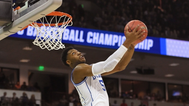 a9b4bf28ad0 Barrett s late basket the difference as No. 1 Duke survives No. 9 UCF -  TSN.ca