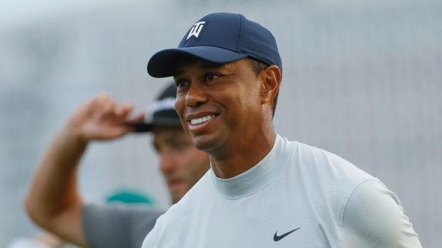6d5fb65a6 Tiger one back with crowded leaderboard at Masters - TSN.ca