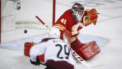 Nathan MacKinnon scores in overtime, Avalanche beat Flames to even series Article Image 0