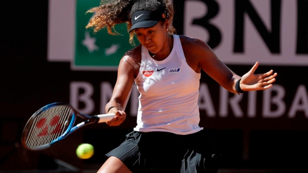 Osaka suffers hand injury at Italian Open
