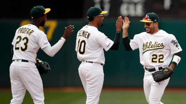 135faf13e Oakland Athletic s beat Seattle Mariners to complete sweep