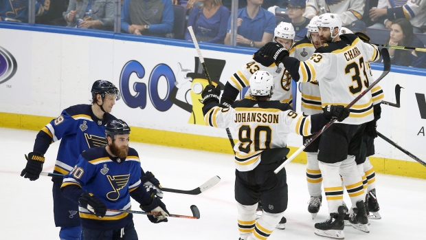 Bruins Spoil Blues Party With Rout In Game 3 Take 2 1 Series Lead