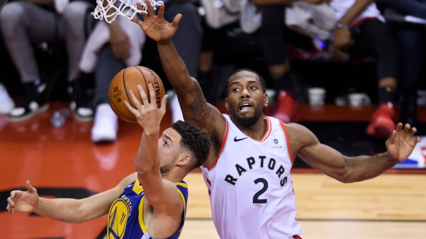Report Golden State Warriors Klay Thompson Likely Questionable For Game 3 With Hamstring Strain Tsn Ca