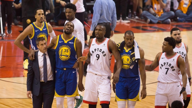 Golden State Warriors Kevin Durant Leaves Game With Injury Tsn Ca
