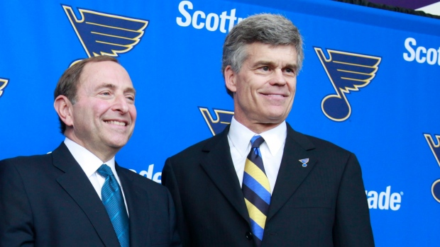 Gary Bettman, Tom Stillman
