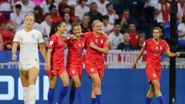 Alex Morgan, USWNT celebrate