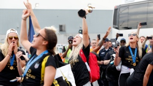 Fans in NYC crowd the streets for USWNT parade