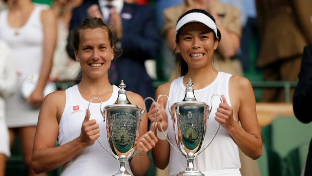 Czech Republic's Barbora Strycova, left, and Taiwan's Su-Wei Hsieh