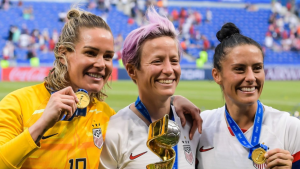 Harris to ex-USWNT teammate Hinkle: 'You are homophobic'